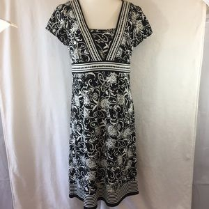 LOFT Size 10 Dress Black and White